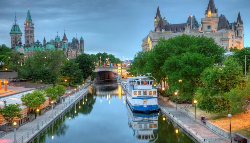 السفر إلى كندا-Mogtma3.com